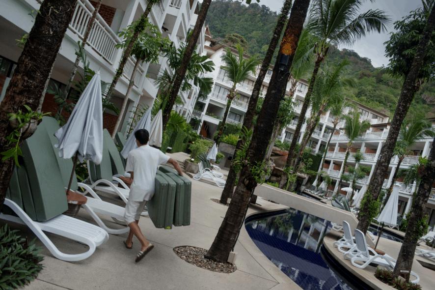 Personal på hotellen i Thailand har många gånger löner under den lagstadgade minimilönen. Foto: Jonas Gratzer