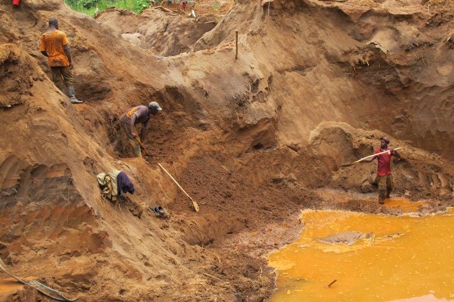 Småskalig guldutvinning i Kongo. Foto: Joakim Wohlfeil, Diakonia