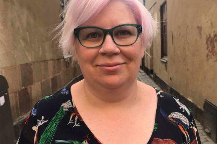 Sofia Stenfeldt har lång erfarenhet av kommunikation och opinionsbildning på flera fackförbund, ungdomsorganisationer och i hyresgäströrelsen.